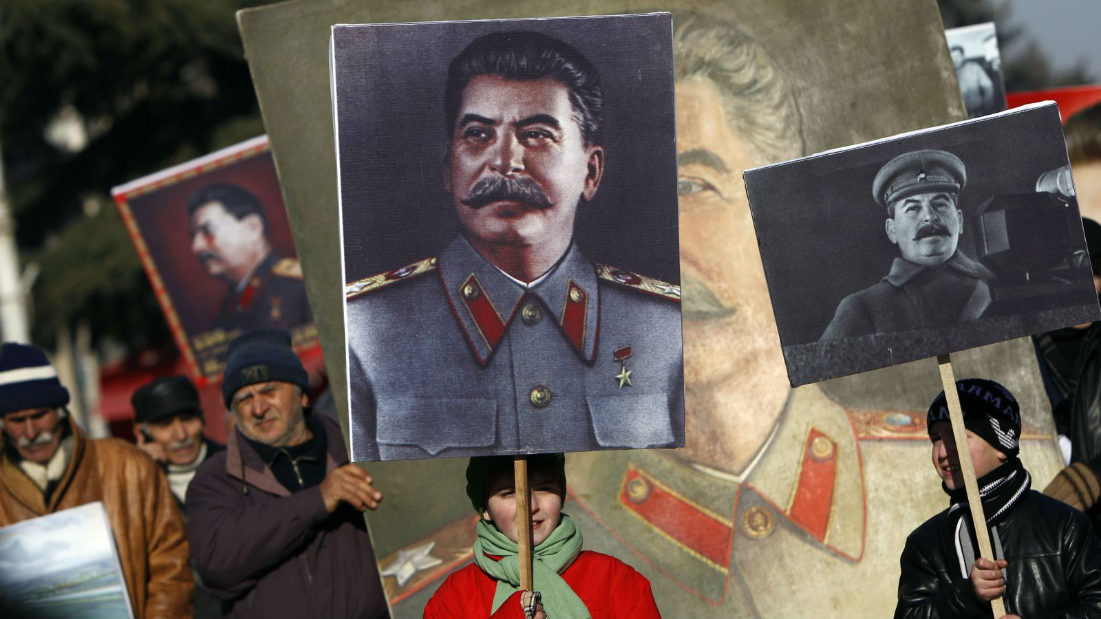 Мифы о репрессиях, расстрелах невинных и культе Сталина
